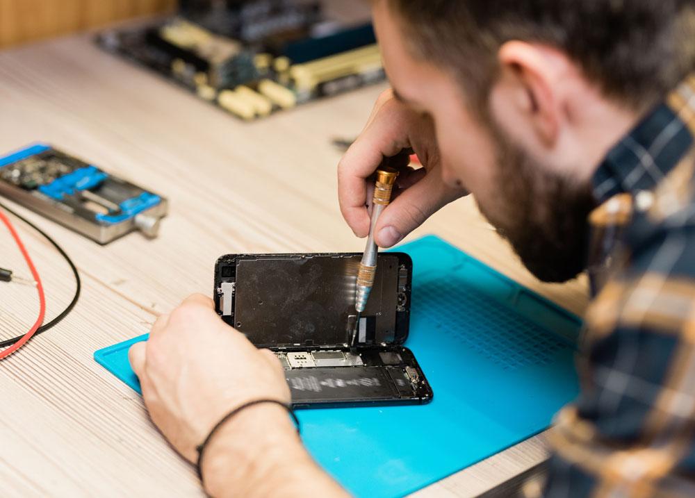 naprawa smartfona w serwisie